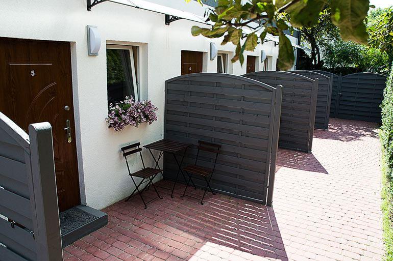 Zewnętrzne miejsce relaksu - hostel Warszawa